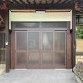 【福岡県 みやこ町】趣のある木製玄関、建具ですが、冬は寒いのでアルミ製に(*^^)v